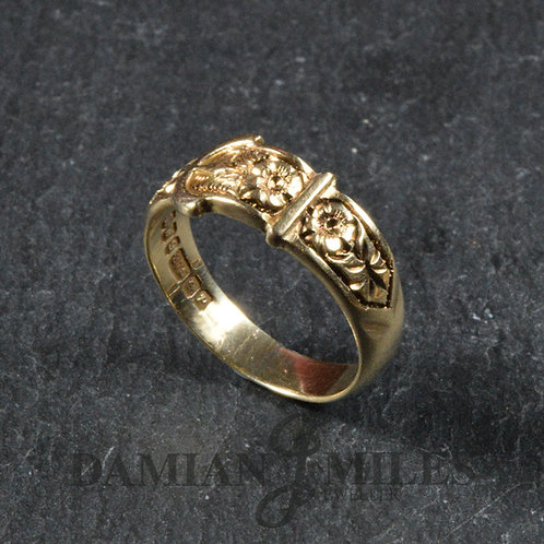 Vintage Buckle ring in 9ct gold