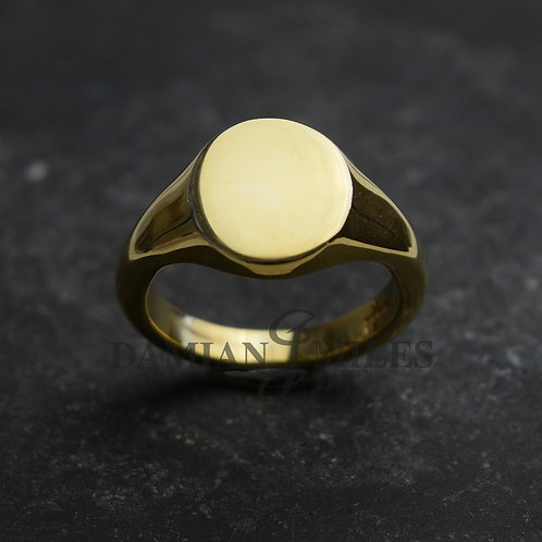 Gents, oval, 18ct gold signet ring.