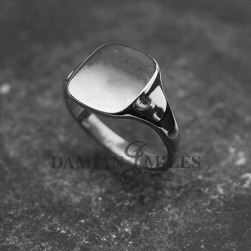 Gents Sterling Silver, rectangular, cushion shape signet ring.