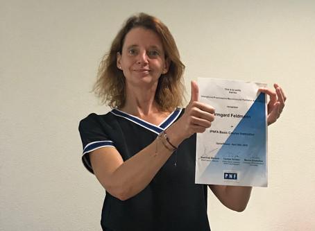 Irmgard Feldmann vient de passer son examen comme instructrice PNF, félicitations!