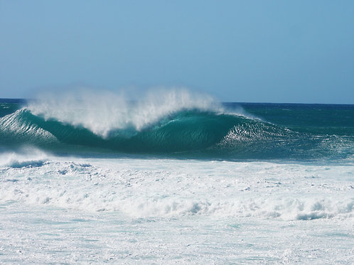 Wave Crest at Pipeline