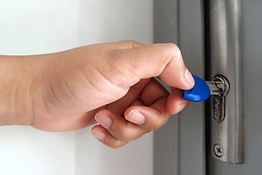 safes-and-security-locksmith-services.pn