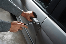 car-and-automobile-locksmith-services.pn