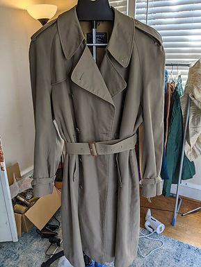 Vintage Burberry Trench Coat. Size 10