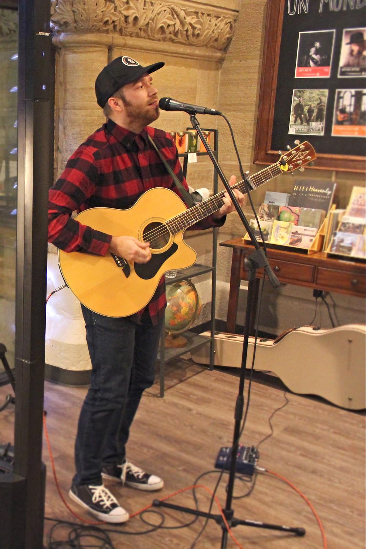 cory breth un mundo cafe springfield ohio local music