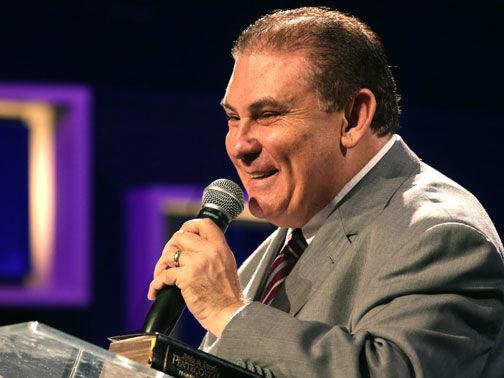 Pastor Walter Brunelli
