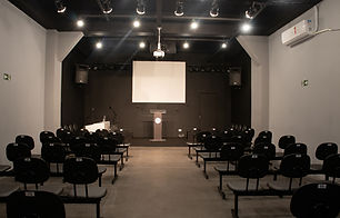 igreja-vazia4.jpg