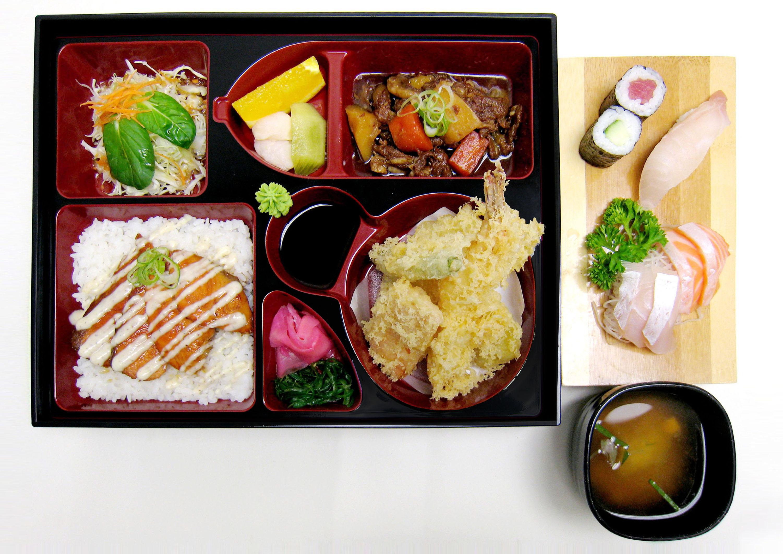 DINNER SET salmon.jpg