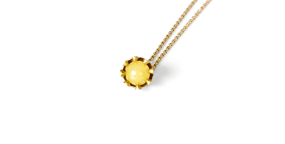 Effect Amber Necklace