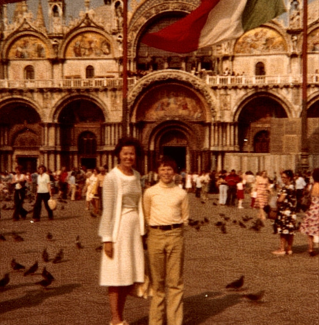 Pop's pic of Me and MeeMee in Venice.jpg