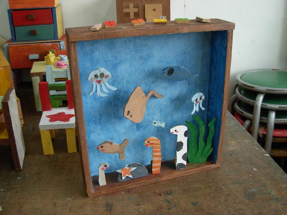 木の自由工作「海の中の生き物たち」