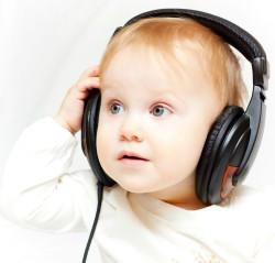 bebe, musica, audifonos, tierno