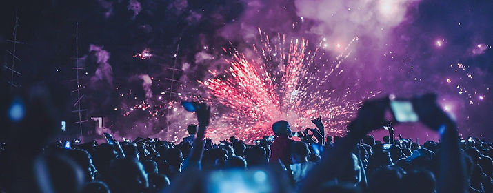 fireworks-4768501_1920_edited.jpg