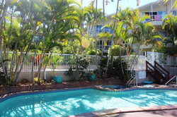 POOL and Garden_booking23