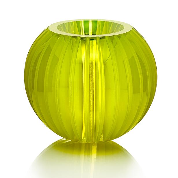 CH 5 2020   uranové sklo, foukané, ručně broušené, řezané, lepené