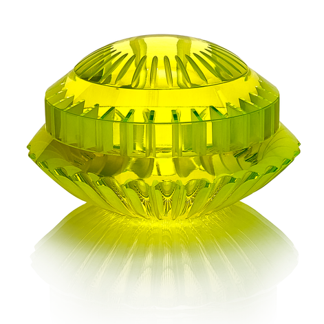 CH 15 2020 18x18x11  uranové sklo, foukané, ručně broušené, řezané, lepené