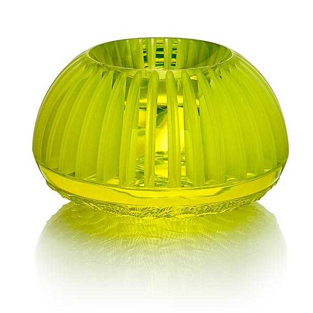 CH 14 2020 16x16x10  uranové sklo, foukané, ručně broušené, řezané, lepené