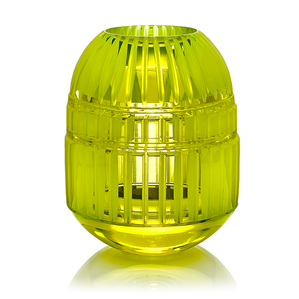 CH 8 2002  uranové sklo, foukané, ručně broušené, řezané, lepené