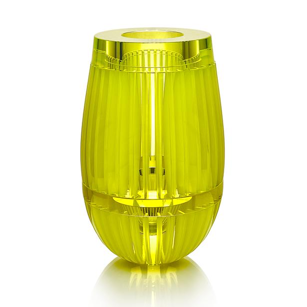 CH 4 2020 16x16x27  uranové sklo, foukané, ručně broušené, řezané, lepené