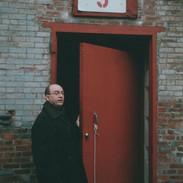 En visite avant d'y exposer, au Garnerville Arts & Industrial Exchange, N.Y., 2002