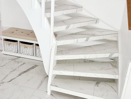 Vacker trappa med Carrara marmor!