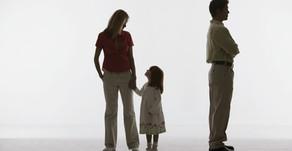 Berufstätige Eltern - So bleibt die Partnerschaft im Vereinbarkeits-Spagat nicht auf der Strecke