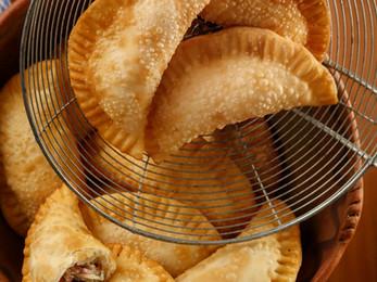 Empanadas de provolone y cantimpalo Fritas