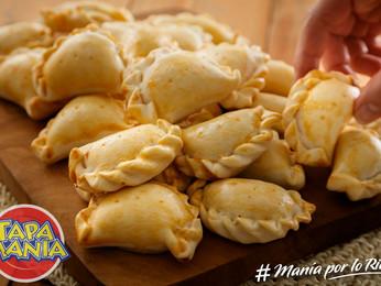 Empanaditas de pollo con tapas para copetín