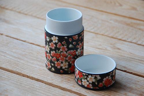 Ozdobne japońskie ceramiczne słoiki na herbatę