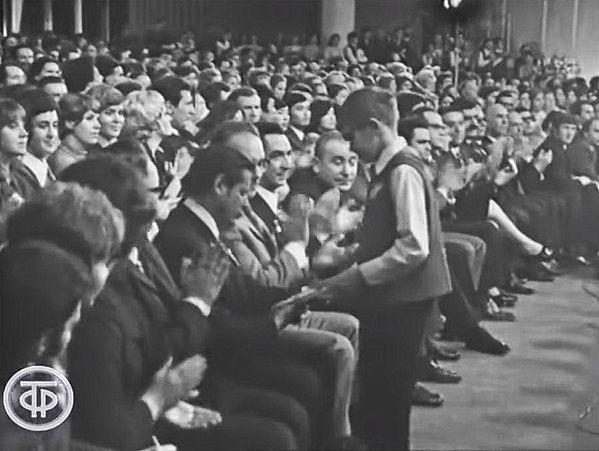 поэт песенник Юрий Полухин песня года 72 концерт награждение песня Я пою о Москве музыка Серафим Туликов поёт А. Розум