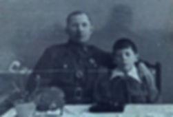 поэт песенник Юрий Александрович Полухин с отцом профессиональным военнослужащим вокальная эстрадная детская студия песни Фантазеры