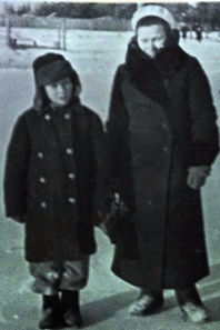 поэт песенник Юрий Александрович Полухин с мамой после школы вокальная эстрадная детская студия песни Фантазеры