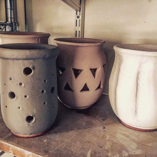Pottery detail photo.png