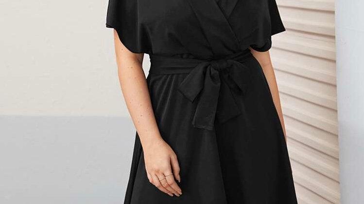 Robe noire  élargie avec ceinture à Abidjan