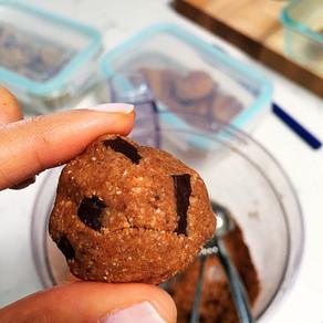 Pumpkin cookie dough energy bites