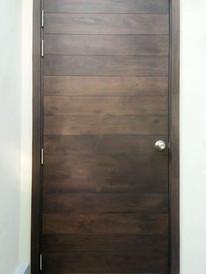 Door-swingdoor-am-walnut.jpg