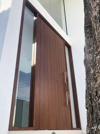main door-06.jpg