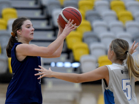 Monash University defend their title in a basketball finals showdown