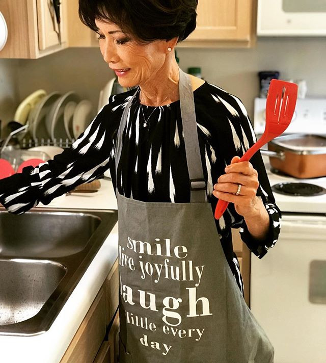 MOM, COOKING