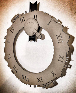 Orologio in Cartone