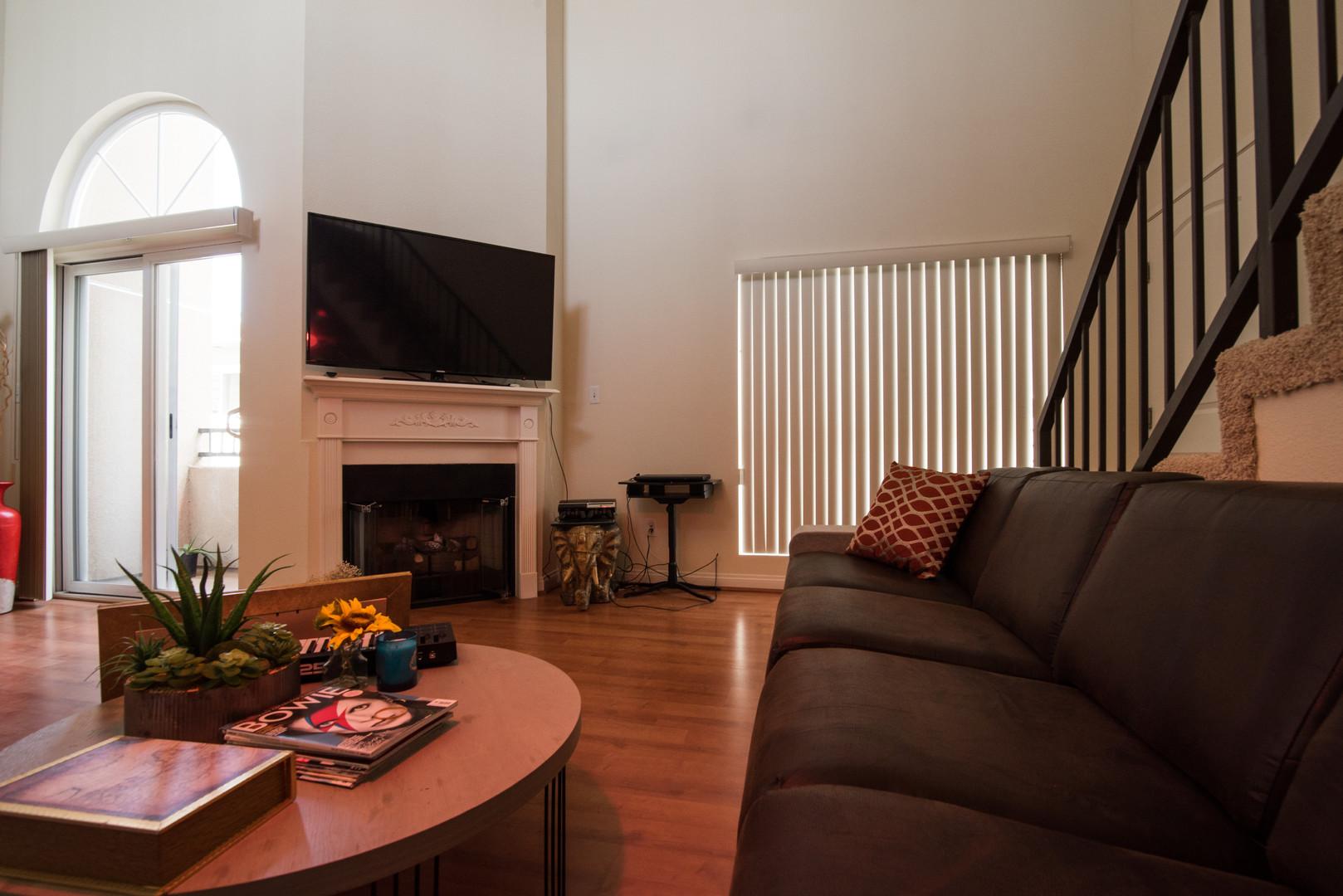 Living Room - 4.jpg