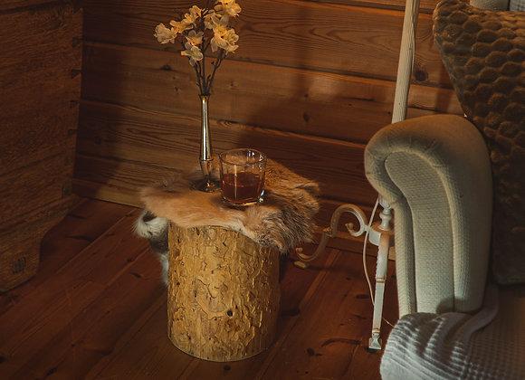 Beistelltisch-Baumstamm-Hocker- aus einheimischer Kiefer