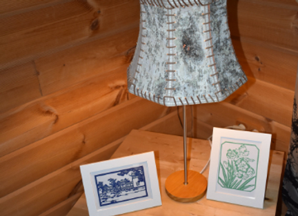wooden table lamp ▸ made with birch bark shade