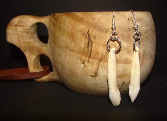 Earrings ▸ made of moose teeth
