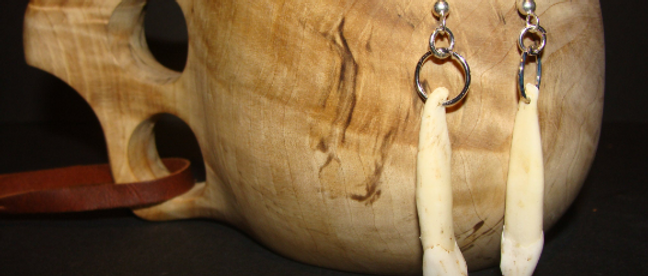 Earrings ▸ made of moose teeth