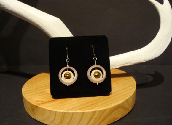 Earrings ▸ made of reindeer horn with tiger eye