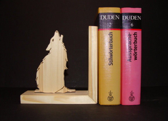 wooden bookend ▸ Wolf motive