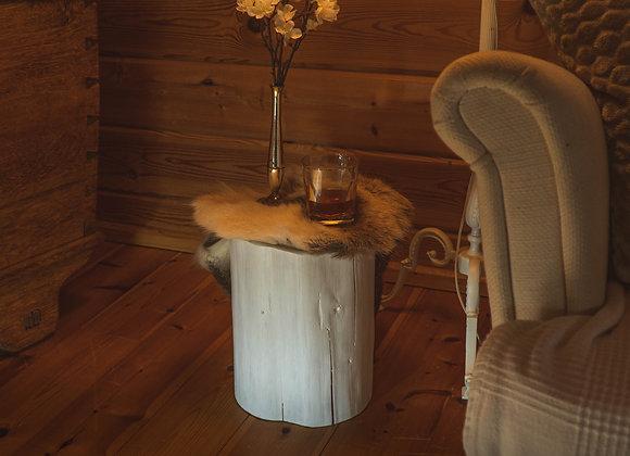 Beistelltisch-Baumstamm-Hocker- aus Kiefer weiß/side table of pine4