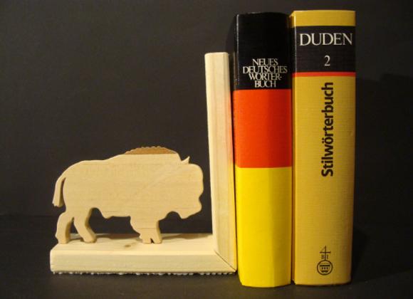 wooden bookend ▸ buffalo motive