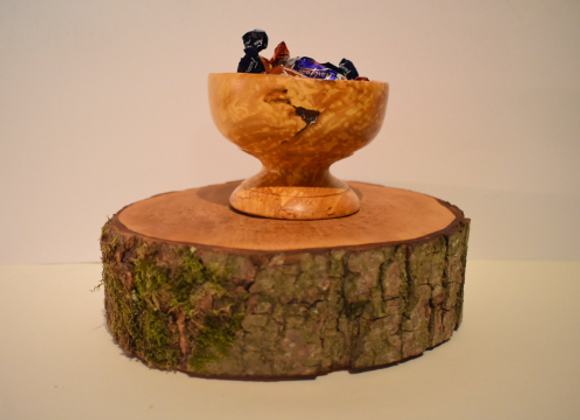 Confectionery bowl ▸ made of curly birch